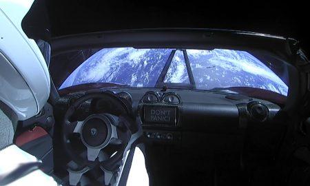 Tesla Roadster - 1ere voiture à vous saluer de l'espace